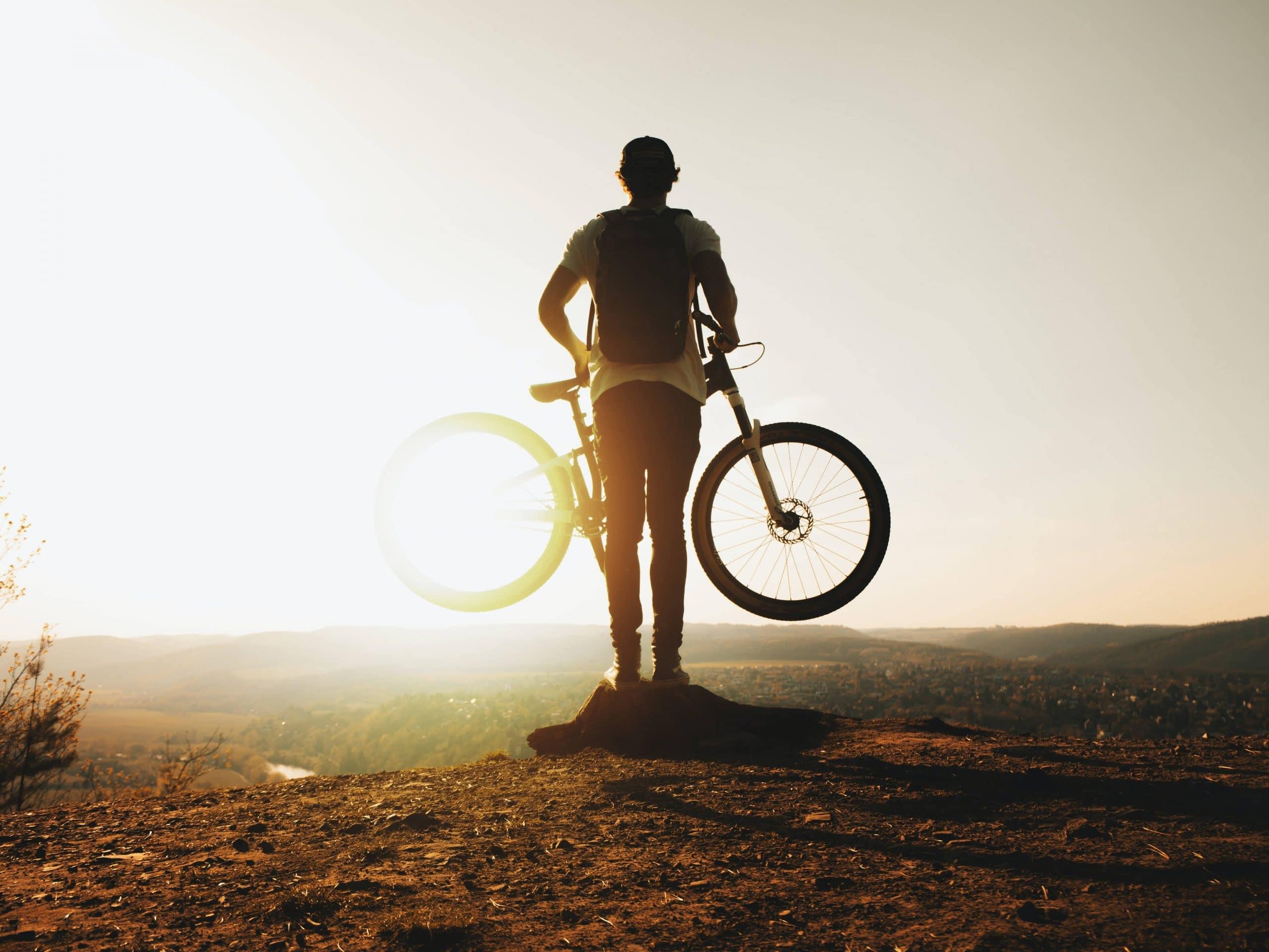 Quel VTTAE choisir : zoom sur le vélo électrique tout terrain