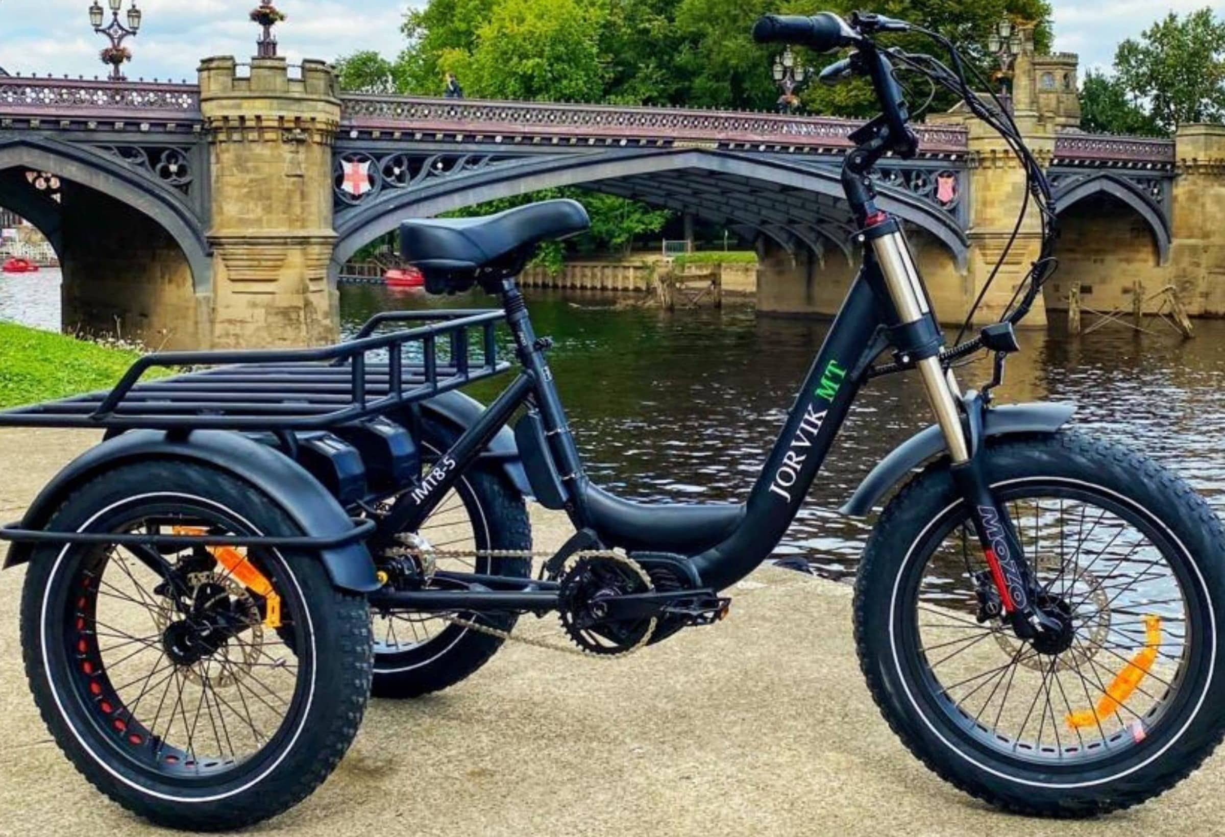 Tricycle électrique adulte handicapé et personne à mobilité réduite